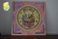 Reloj pintado en madera-1